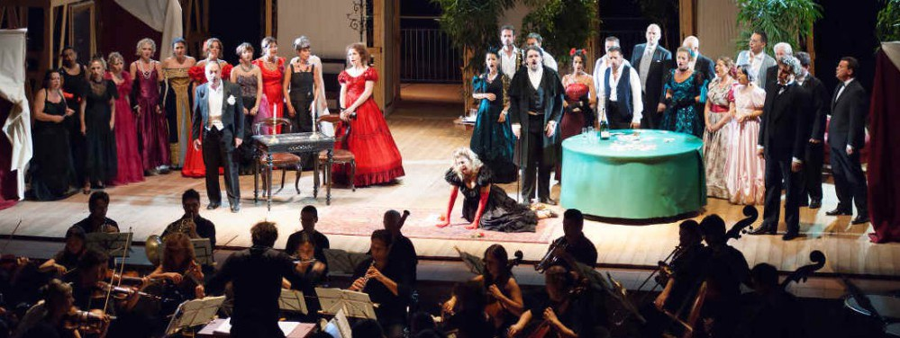 Traviata villa Strozzi